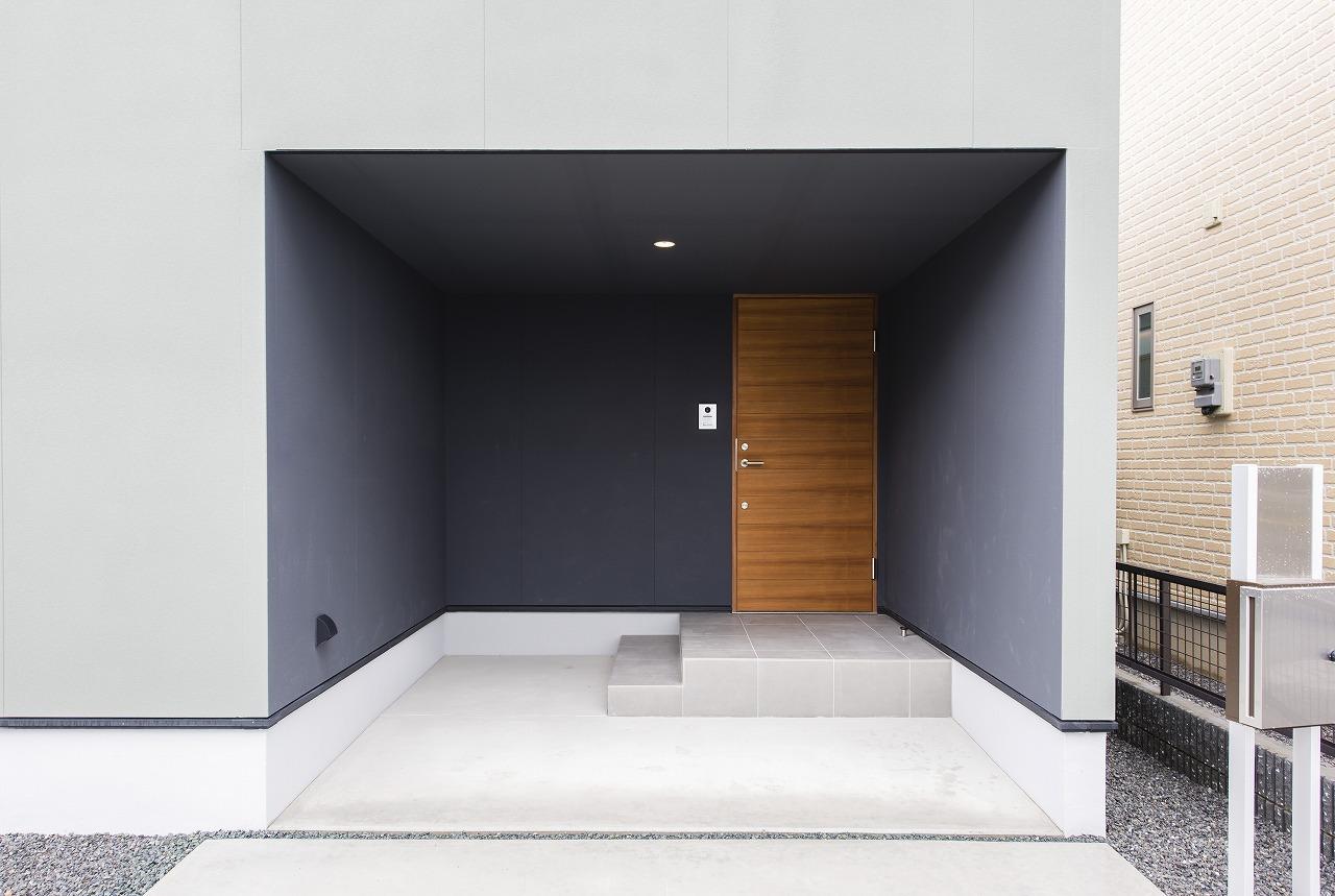 プライバシーに配慮しつつ開放的に暮らす家