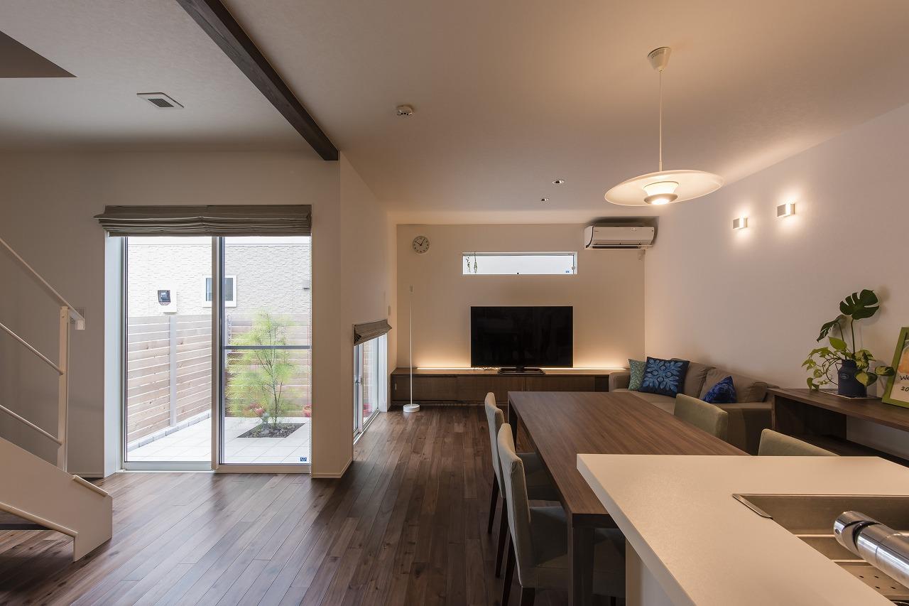適材適所に収納をつくりすっきり広々と暮らす家