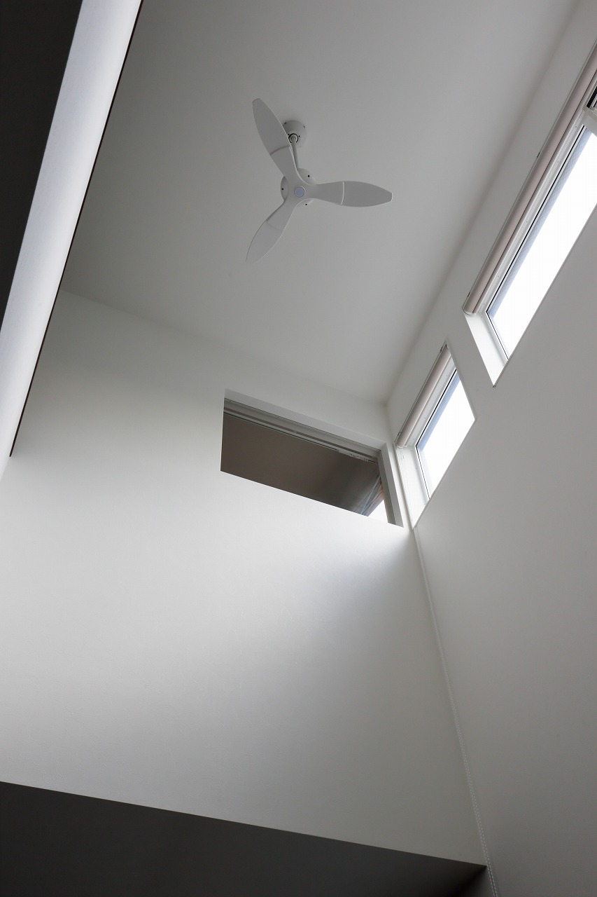 住宅密集地でもプライバシーを守りくつろげる住まい